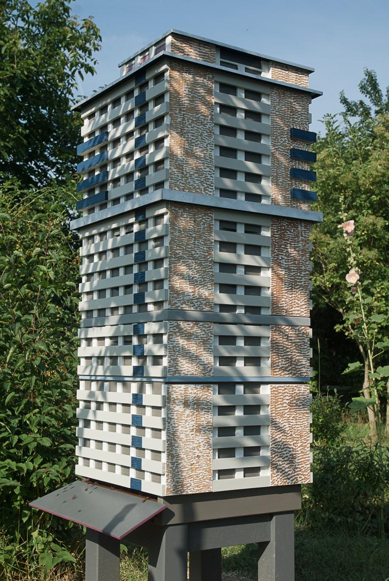 Bees scyscraper – Bienenhochhaus Halle / Neustadt